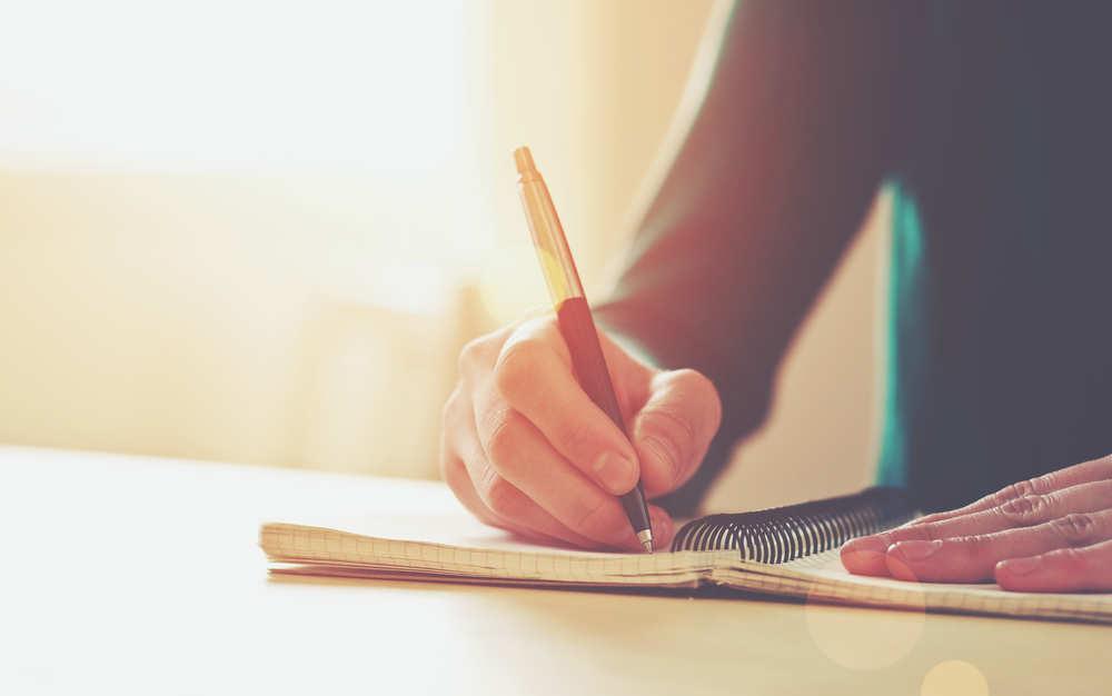 ¡Papel, lápiz, y a escribir!